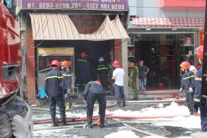 TP Hồ Chí Minh: Cháy quán cơm ở quận 1, nhiều người hoảng sợ