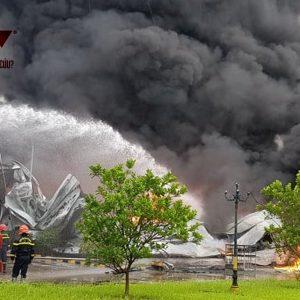 Bắc Ninh: Cháy dữ dội tại xưởng sơn ở KCN Yên Phong