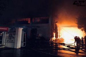 Hồ Chí Minh: Cháy đỏ trời trong Khu công nghiệp Tân Tạo