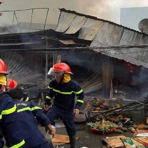 Cà Mau: Cháy nhiều gian hàng tại chợ ở phường 8 TP Cà Mau